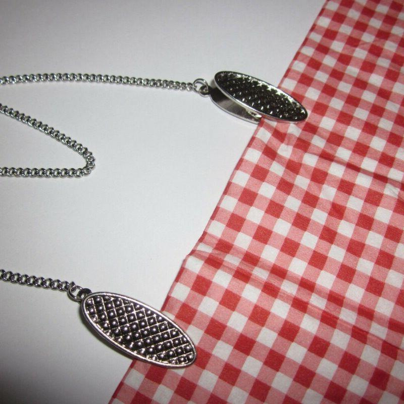 19 Inch Chain Bib with Clips for Adult